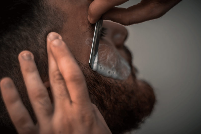 Man Grooming Beard | Electric Shaver vs. Blade: Which One Is Right For You?